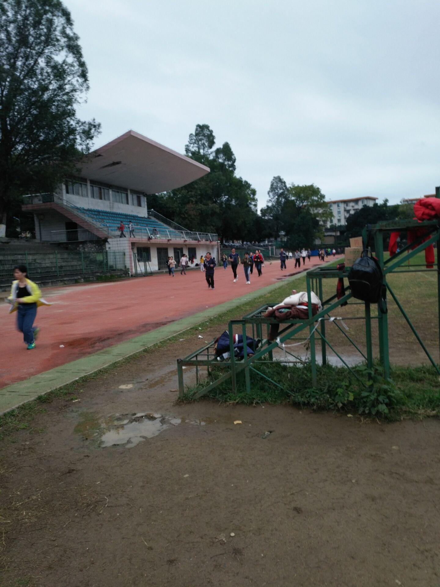 广西师范大学使用步道乐跑跑步3.JPG